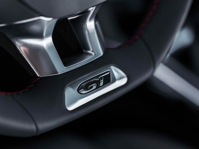 Nouvelle PEUGEOT 308 GT – Volant avec logo GT