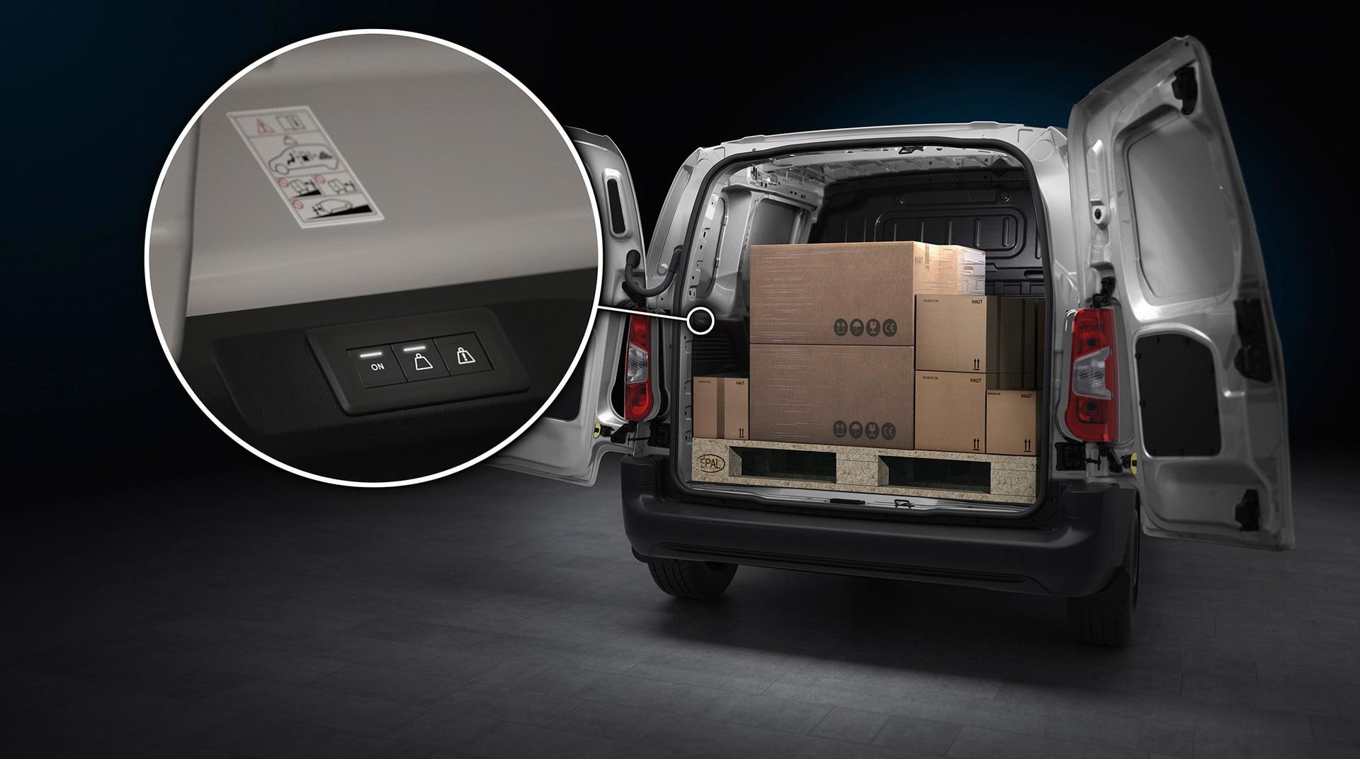 OVERLOAD INDICATOR nouveau PEUGEOT Partner une fonction embarquée innovante permettant d'informer le conducteur du dépassement de la masse maximale autorisée. ADAS