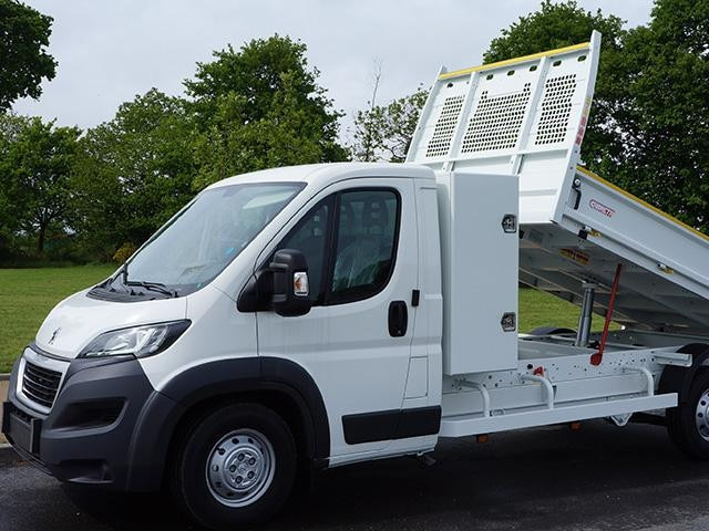 Peugeot Utility tipper truck - In use