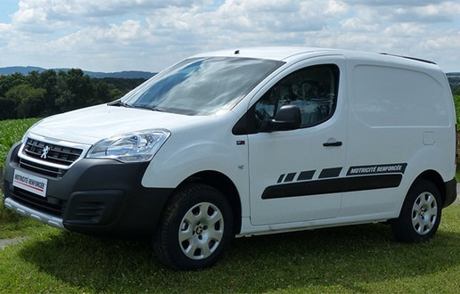 Peugeot off-road van