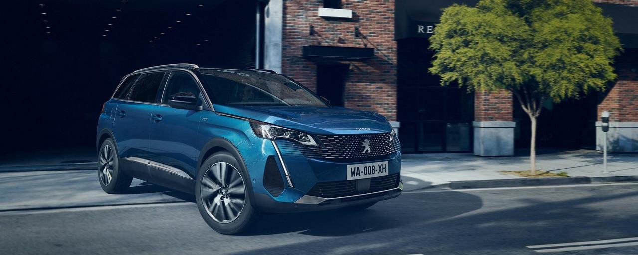 Nouveau grand SUV Peugeot 5008 jusqu'à 7 places