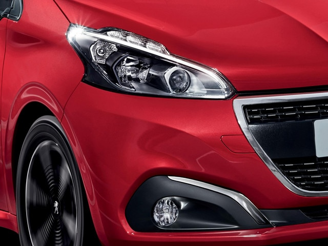 Peugeot 208 signature lumineuse LED