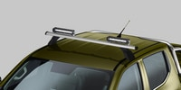 Nouveau pick-up PEUGEOT LANDTREK : phares de toit additionnels à LED sur barre de toit entrée de porte