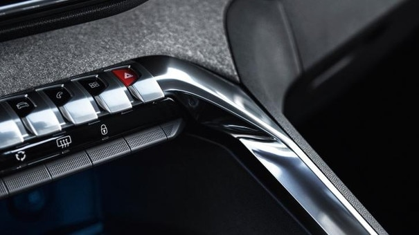 Nouveau SUV PEUGEOT 5008 : Toggles Switches