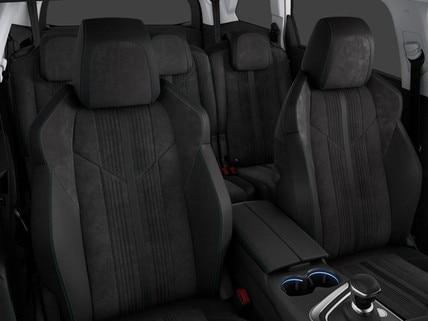 SUV PEUGEOT 5008 Crossway: intérieur raffiné équipé du PEUGEOT i-Cockpit, matériaux au toucher riche et finitions spécifiques valorisantes